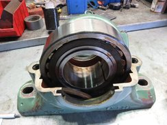 SKF SN526 BEARING BLOCK