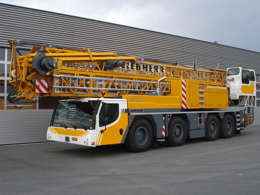 liebherr mk 88 tower crane mobile crane trader. Black Bedroom Furniture Sets. Home Design Ideas